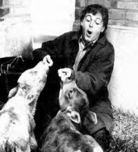 Paul McCartney with animals [ 57.30 Kb ]