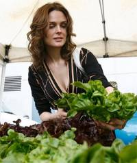 Emily Deschanel [ 62.15 Kb ]