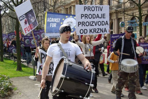 Zagreb demo against the seal slaughter 7 [ 174.99 Kb ]