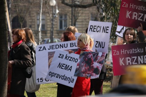 Anti-fur protest Zagreb 2009 d [ 120.23 Kb ]