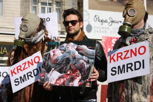 Anti-fur protest Zagreb 2009 j [ 146.92 Kb ]