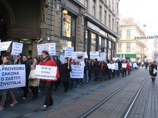 Protest for the implementation of the Animal Protection Act 5 [ 111.72 Kb ]