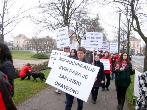Protest for the implementation of the Animal Protection Act 2011 [ 130.21 Kb ]