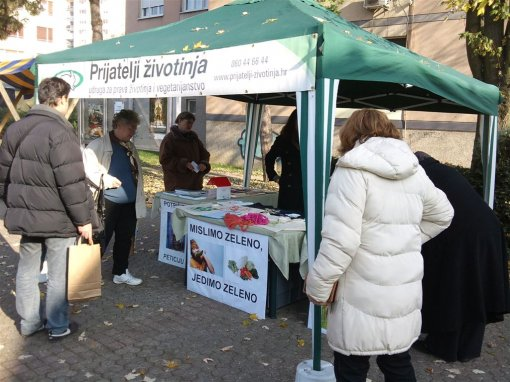Info stall in Zapresic [ 162.00 Kb ]