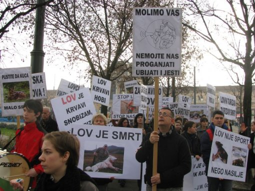 Anti-hunt demo, Zagreb 2011 a [ 130.88 Kb ]