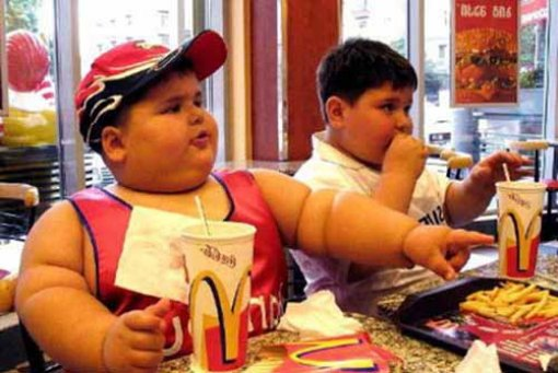 Obese children in Mcdonald's