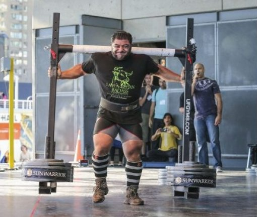 Patrik is carrying 550 kg